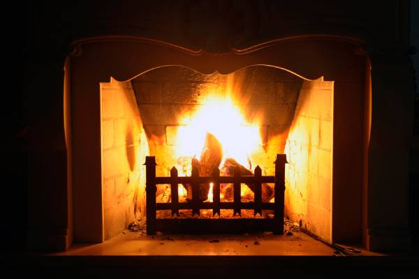 Building a Fireplace Fire the Right Way
